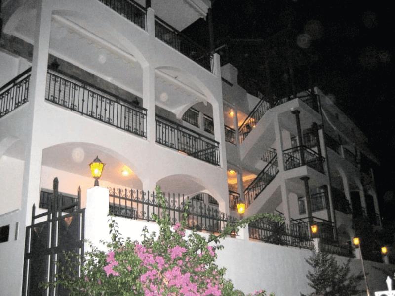 http://www.andromeda-sarti.com/wp-content/uploads/2016/05/dovolenka_grecko_sarti_home_5.png
