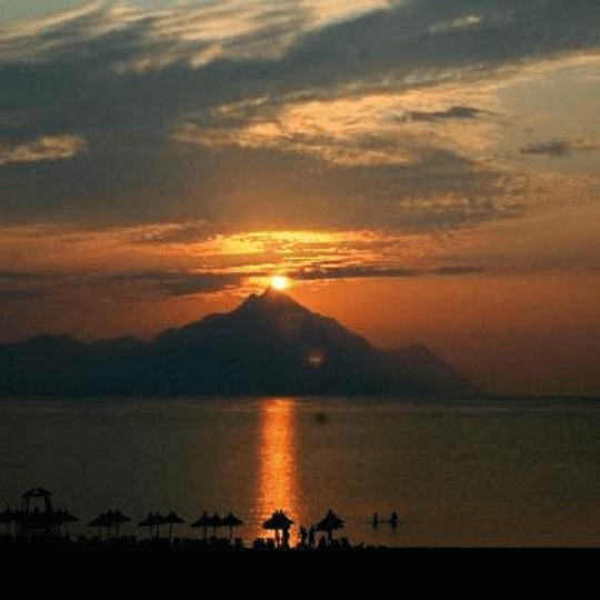 http://www.andromeda-sarti.com/wp-content/uploads/2016/12/dovolenka_grecko_sarti_home_3-540x540.png