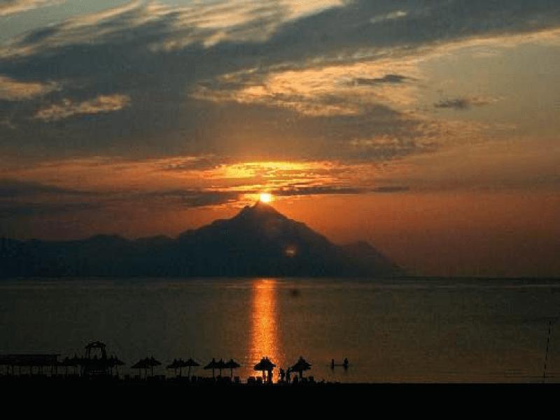 http://www.andromeda-sarti.com/wp-content/uploads/2016/12/dovolenka_grecko_sarti_home_3.png